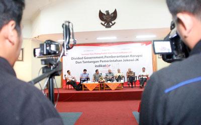 Hasil Riset Indikator-LSI: Divided Government, Pemberantasan Korupsi dan Tantangan Pemerintahan Jokowi-JK